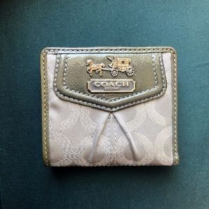 Coach Madison Wallet in Perfect Condition